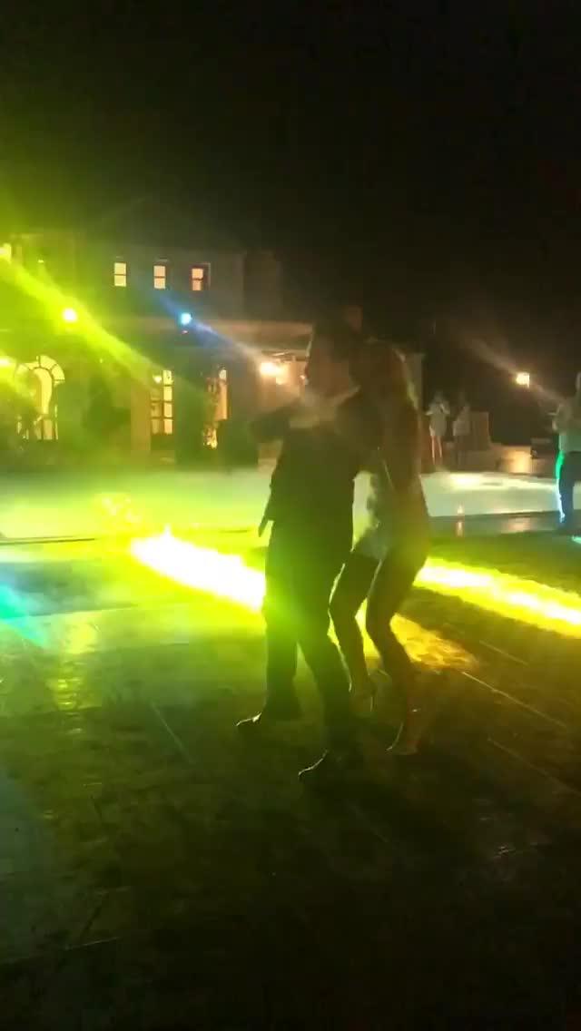 Μαντώ Γαστεράτου: Ο χορός του ζευγαριού και το δεύτερο φόρεμα του γάμου της